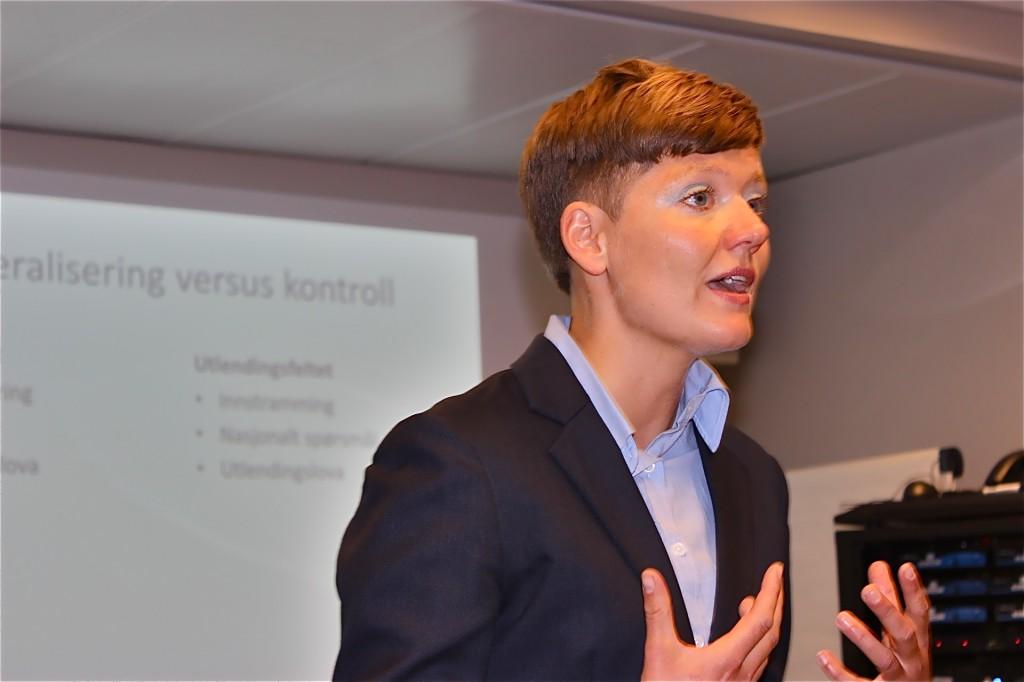 Helga Eggebø foredrag om ekteskapsinnvandring for Justisdepartementet.